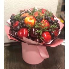 """Букет из фруктов с """"Нектаринка"""" с виноградом"""